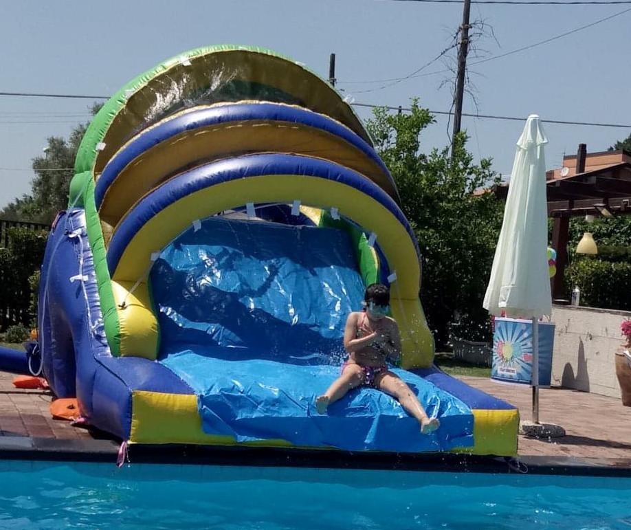 scivolo piscina ancona